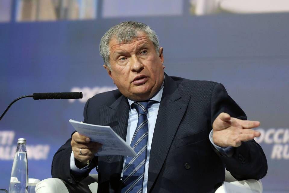 Глава «Роснефти» Игорь Сечин: «Девальвационного дохода» нефтянки не существует